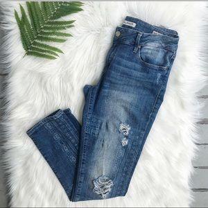 Mavi Jeans Co.